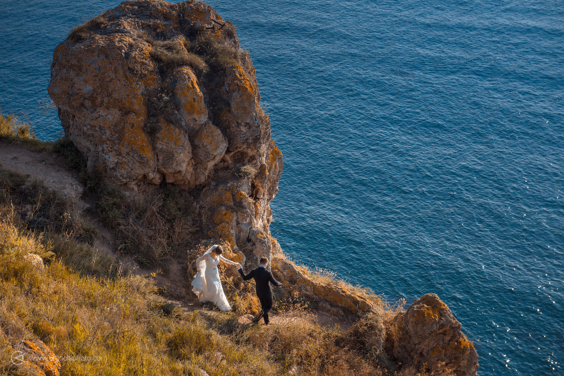 Love the dress Cap Kaliakra in Bulgaria, de Antochi Photography